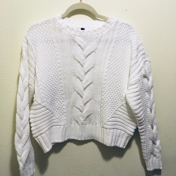 4dcd854bf 2/$25 h&m divided white chunky knit crop sweater